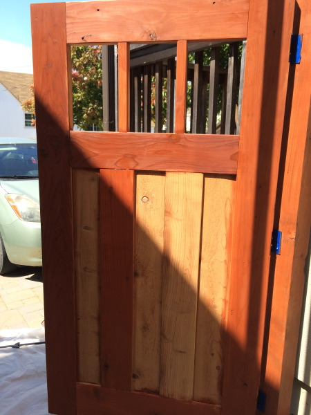 Staining gate
