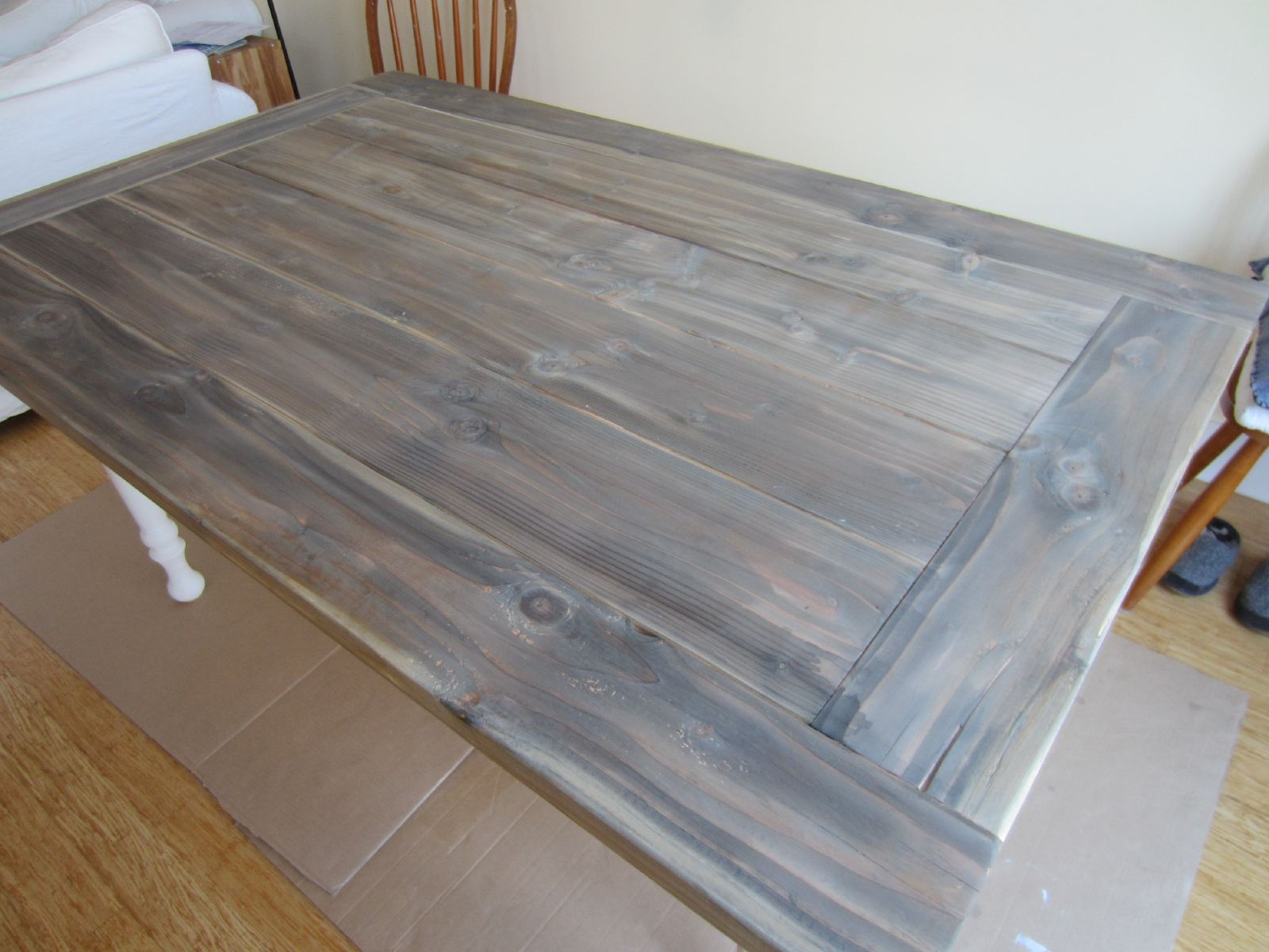 Diy building a farmhouse table and bench shirley for Building a farmhouse